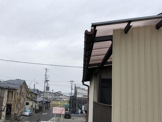 福島県会津若松市のご自宅で、雪によって傾いてしまった雨樋を火災保険申請した事例