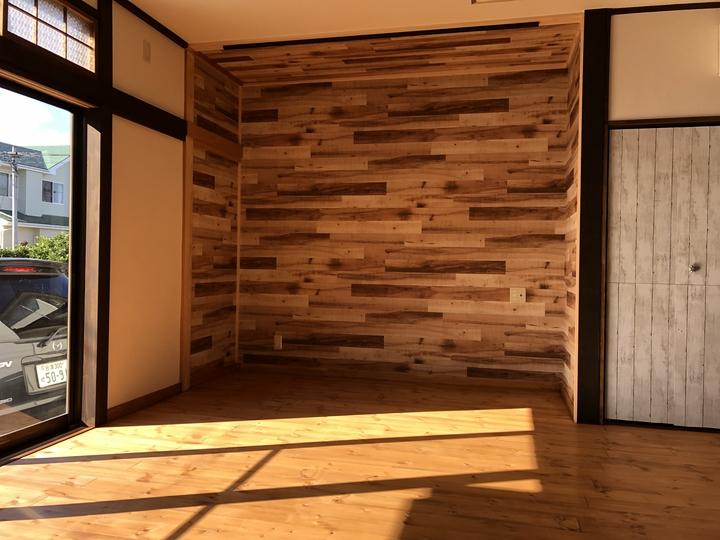 福島県会津若松市のお家で二間続きの和室をワンルームにして、レッドパインや漆喰を使った自然素材リフォーム