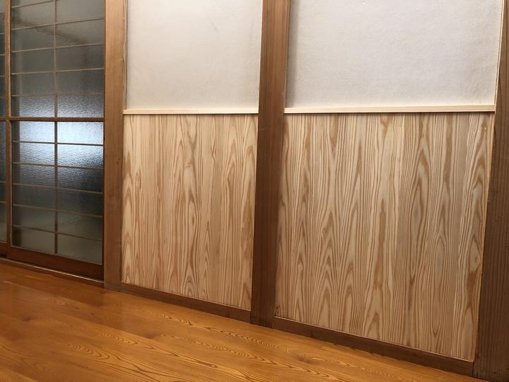 福島県喜多方市のお家で汚れた壁を秋田杉に張替えた自然素材リフォーム