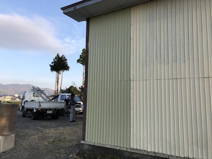 福島県耶麻郡北塩原村のご自宅で、風にによって壊れた外壁、屋根を火災保険申請した事例