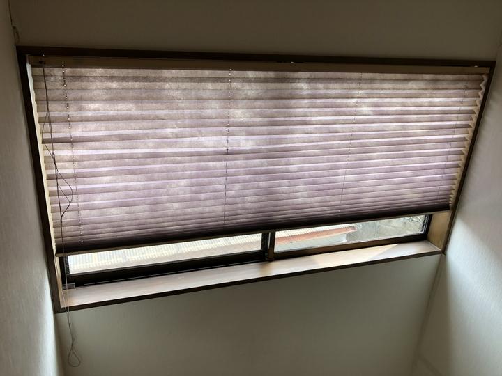 福島県郡山市のご自宅で、古くなったロールスクリーンを新しく交換した内装リフォーム事例